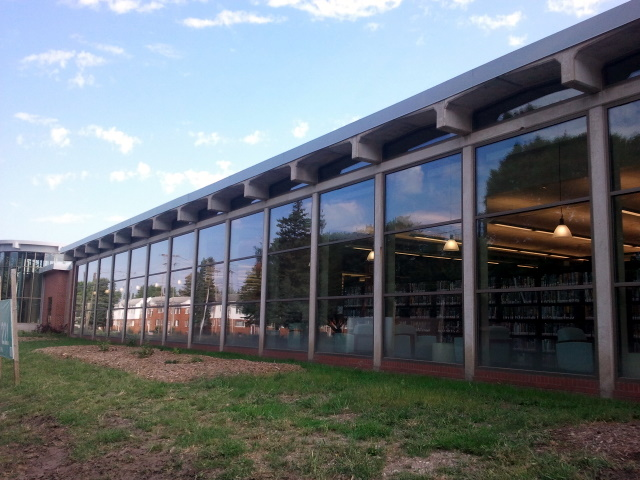 Franklin Avenue Library Glass Facade: Allows for a good connection between library users and the street