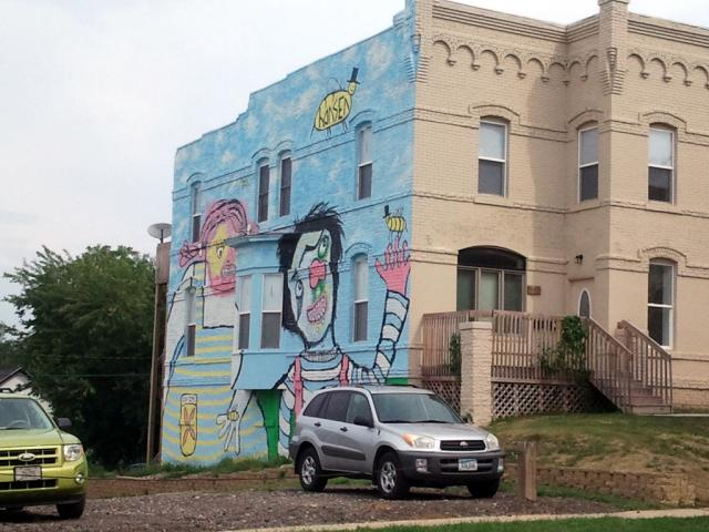 Hansen Mural Side View